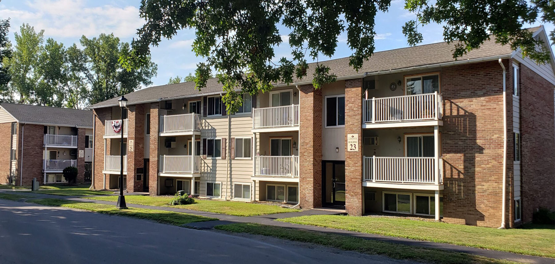 Candlewyck Apartments